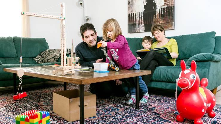 Das Projekt «Zeppelin» zielt darauf ab, die Erziehungskompetenzen von Schlieremer Eltern zu verbessern. (Symbolbild)