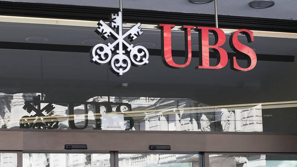 Die UBS hat im ersten Quartal von der guten Entwicklung an den Finanzmärkten profitiert und mehr verdient als im Vorjahr. (Themenbild)