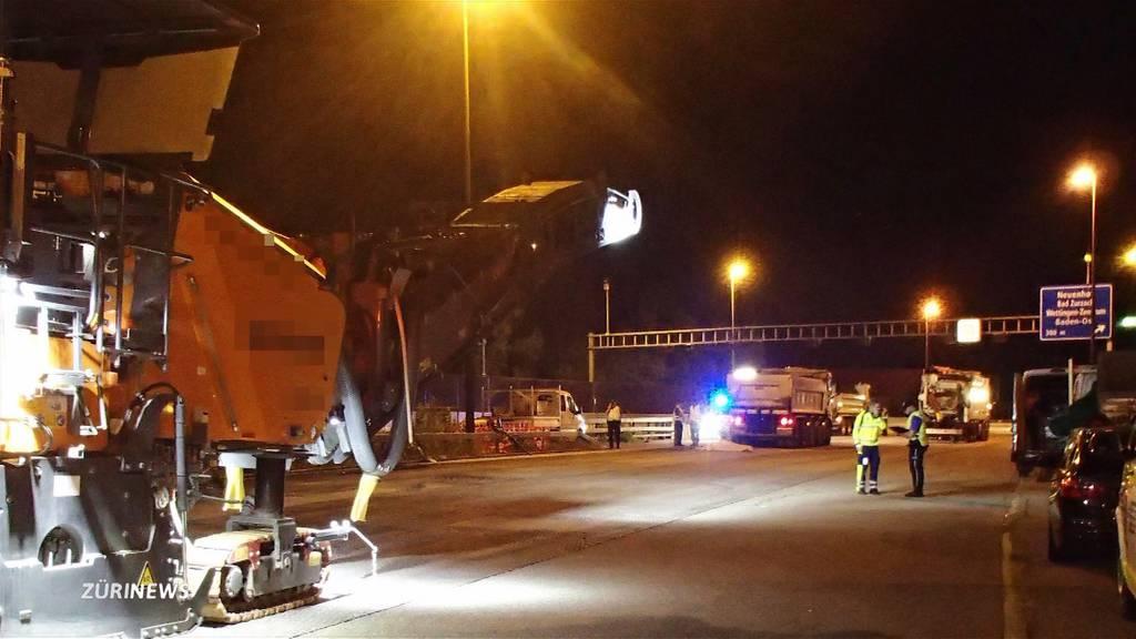 Tödlicher Arbeitsunfall: 70-jähriger Bauarbeiter von LKW erfasst