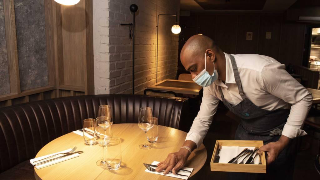 ARCHIV - Heute werden in ganz Irland die Innenräume von Pubs und Restaurants wieder geöffnet, was einen wichtigen Schritt für das Gastgewerbe darstellt. Foto: Damien Eagers/PA Wire/dpa Foto: Damien Eagers/PA Wire/dpa
