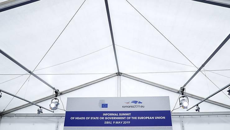 Die EU-Staats- und Regierungschefs haben an ihrem Gipfel in Rumänien wenig Farbe bekannt. Die Abschlusserklärung blieb vage.