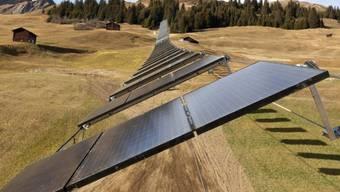 Solarpanels im bündnerischen Tenna (Archiv)