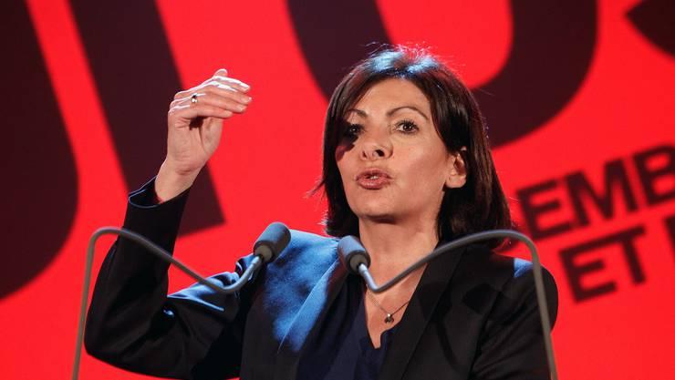 Die Sozialistin Anne Hidalgo gewinnt laut ersten Hochrechnungen die Bürgermeisterwahl in Paris.