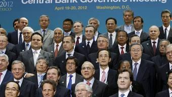 Die G-20-Minister posieren für ein Gruppenfoto in Washington
