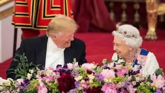 Für einen Moment schien das amerikanisch-britische Verhältnis perfekt: Königin Elisabeth II. und Donald Trump beim Staatsbankett.