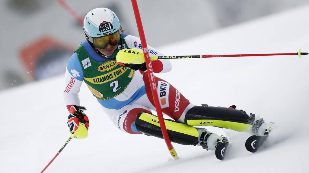 Mikaela Shiffrin gewinnt den Slalom von Jasna – Holdener auf dem Podest