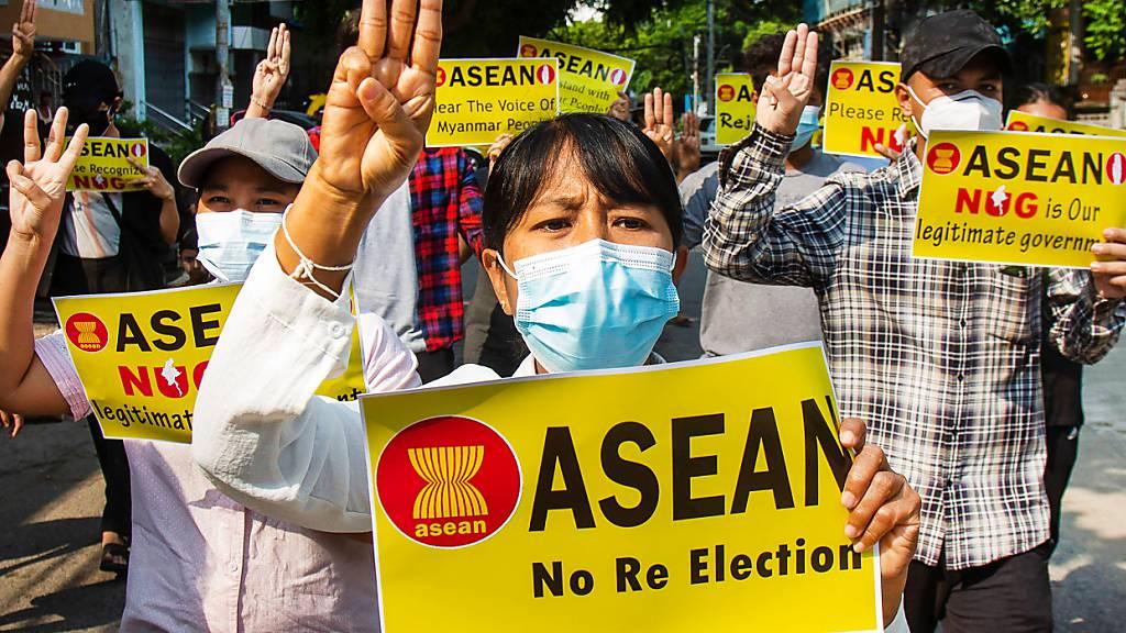 Asean-Gipfel: Putsch-Gegner fordern Festnahme von Myanmars Junta-Chef