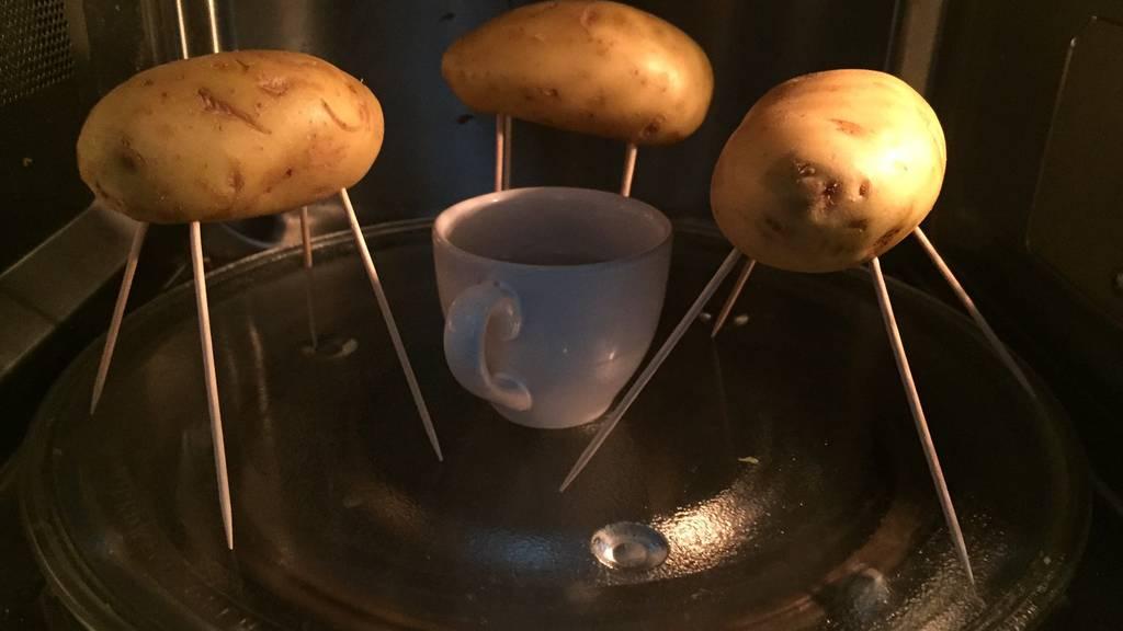 Kartoffeln in der Mikrowelle garen