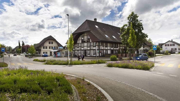Das Restaurant Kreuz steht in der Mitte der Zentrumszone, in der ein neues Dorfzentrum entstehen soll.