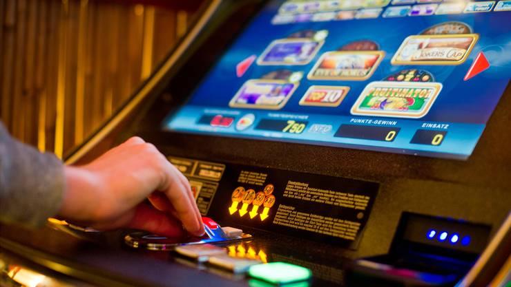 26 Fälle von illegalem Glücksspiel und Sportwetten hat die Repol Wettingen-Limmattal 2015 und 2016 aufgedecktKeystone
