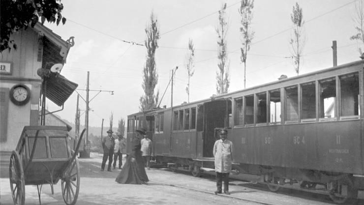 So sah der Bahnverkehr vor 100 Jahren aus: Ein Zug der Sissach–Gelterkinden-Bahn hält in Gelterkinden.