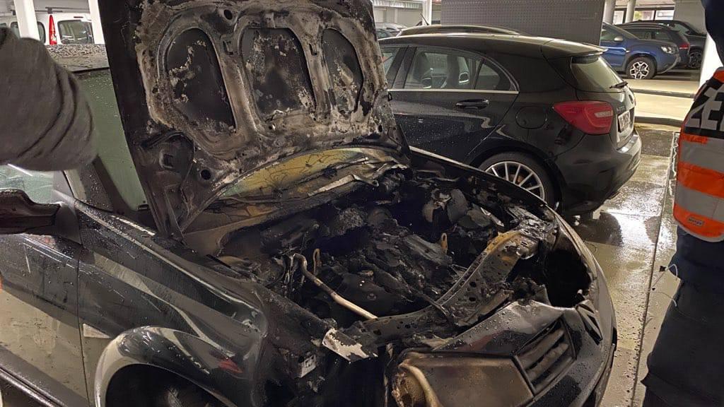 Brand in Parkhaus Burggraben – Auto fängt Feuer