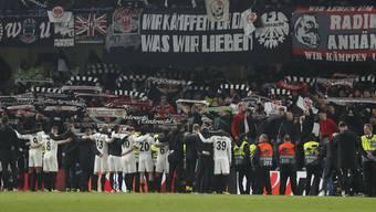 Auch nach der Niederlage im Penaltyschiessen darf die Mannschaft auf die Unterstützung der Fans zählen.