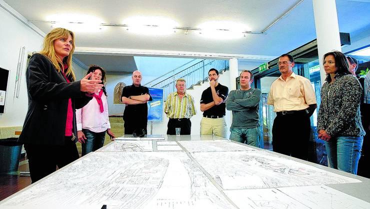 Neue Ideen:  ETH-Architektin Susanne Asperger (l.) leitete auch den zweiten Workshop der Vereinigung Pro Vorstadt. (Bild: Felix Gerber)