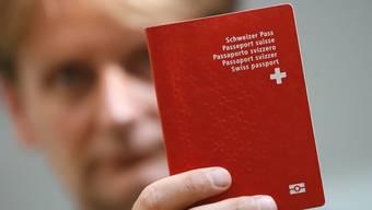 Bei der Einbürgerung gibt es Probleme bei Namen mit gewissen Sonderzeichen. (Symbolbild)