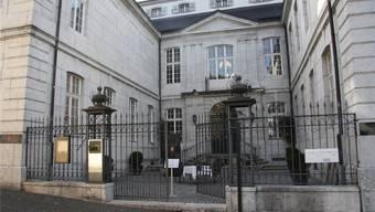Die Tür des Palais ist nur bei speziellen Gelegenheiten geöffnet.