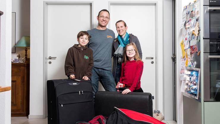 Kurt und Annette Fischer mit ihren Kindern Päuli und Kristin Anfang Woche kurz vor der Rückreise.