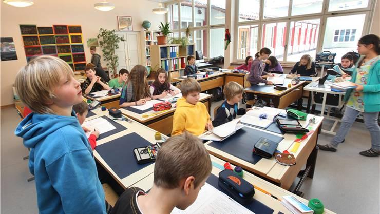 Die Finanzkommission des Baselbieter Landrats ist dagegen, dass künftig die Gemeinden statt dem Kanton den Besuch von Privatschulen unterstützen müssen. (Symbolbild)