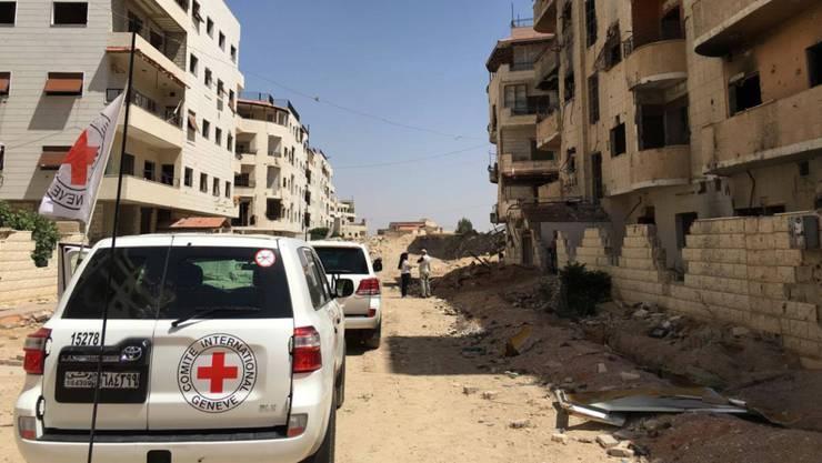 Ein IKRK-Konvoi in einem Vorort der syrischen Hauptstadt Damaskus. (Archivbild)