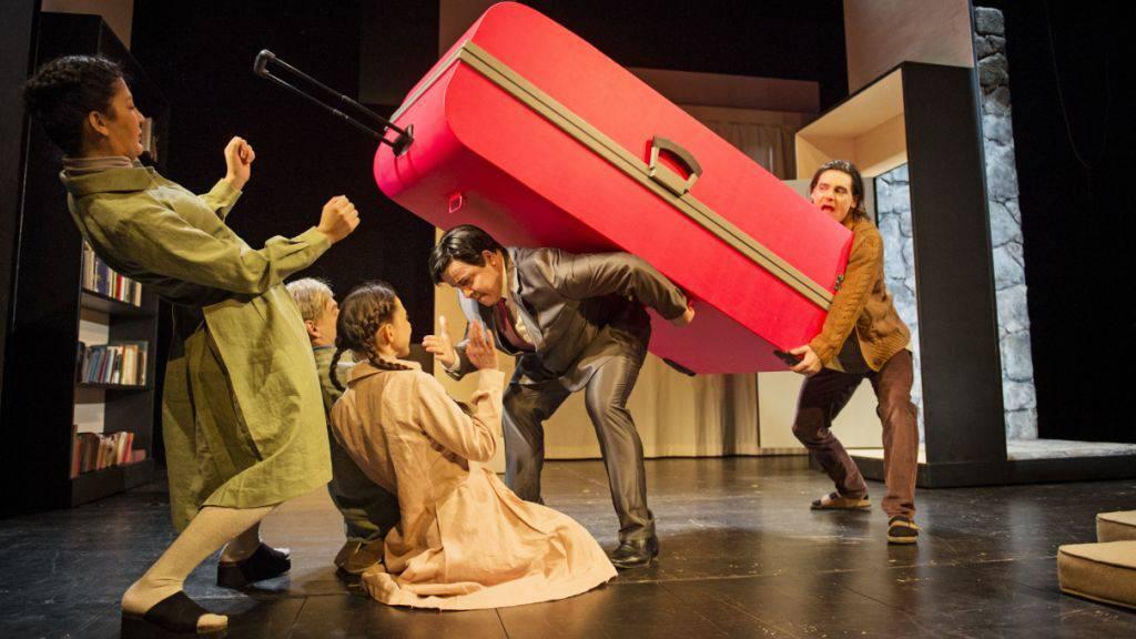 Das Stück «Der Chinese» des Theater Orchester Biel Solothurn (TOBS) ist zum diesjährigen Heidelberger Stückemarkt eingeladen. Es ist für den NachSpielPreis nominiert. (Archiv)