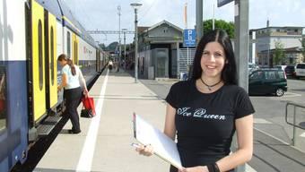 Mit ihrer Petition will Fabienne Rochat erreichen, dass die Bahnhöfe Mettmenstetten und Knonau weiterhin von der SN9 bedient werden. (Bild Thomas Stöckli)