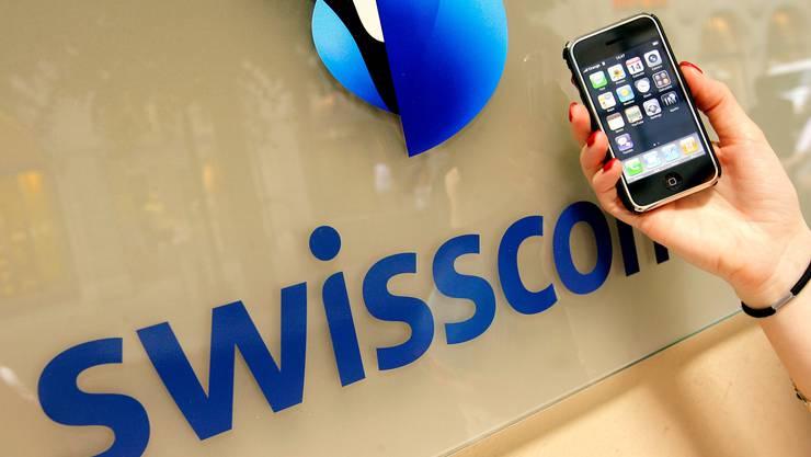 Die Swisscom hat gemäss Bakom ihre Zielvorgaben immer «deutlich» erfüllt. Trotzdem soll die Qualität der Grundversorgung kritisch hinterfragt werden. (Symbolbild)