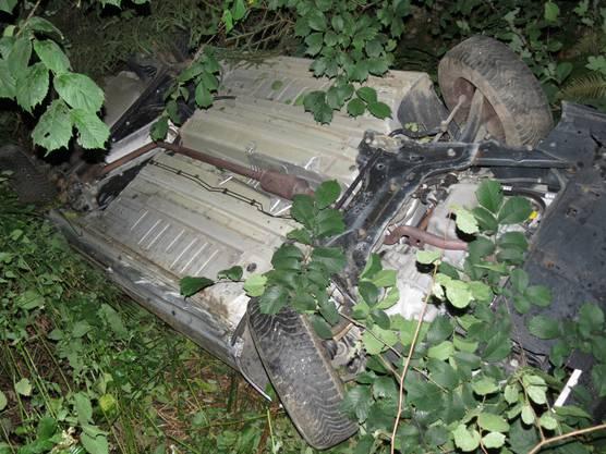 Das Auto überschlug sich mehrmals, der Lenker verletzte sich leicht.