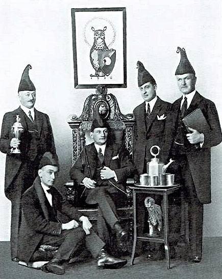 Der erste Zunftrat (1920–1925): von links W. von Felbert, W. R. Ammann, Dr. H. Meyer, C. Spaar, Th. Saladin.