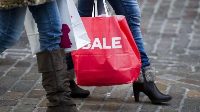 Die Schweizer Wirtschaft ist dank des privaten Konsums in Fahrt (Archiv)