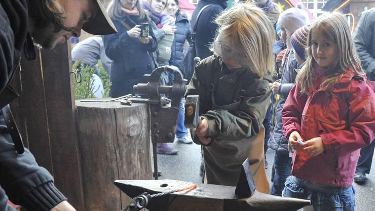 Aktivitäten der Robi-Spiel-Aktionen für Kinder auf dem Münsterplatz.