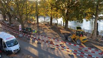 Nebst den Arbeiten für den Wärmeverbund hat bei der Schifflände die Umgestaltung von Strasse und Rheinpromenade begonnen. Fotos: zvg