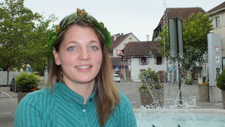 Franziska Rickenbacher mit einem ihrer beiden Kränze aus diesem Jahr.