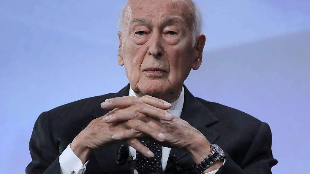 Französischer Ex-Präsident Giscard d'Estaing im Krankenhaus