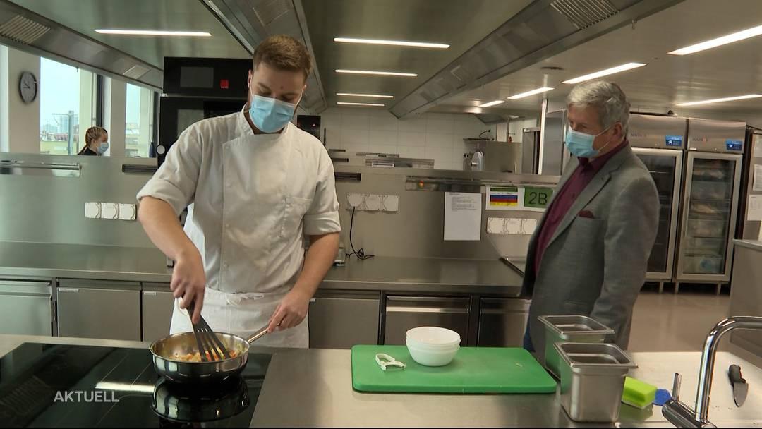 Kochlehrlingen fehlt wegen Corona die Praxis. Ein Beitrag von TeleM1.
