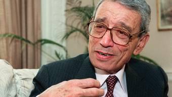 Der Zerfall Jugoslawiens, der Völkermord in Ruanda und die Irak-Krise prägten die Amtszeit von Boutros-Ghali als UNO-Generalsekretär. Er verstarb mit 93 Jahren in Kairo.