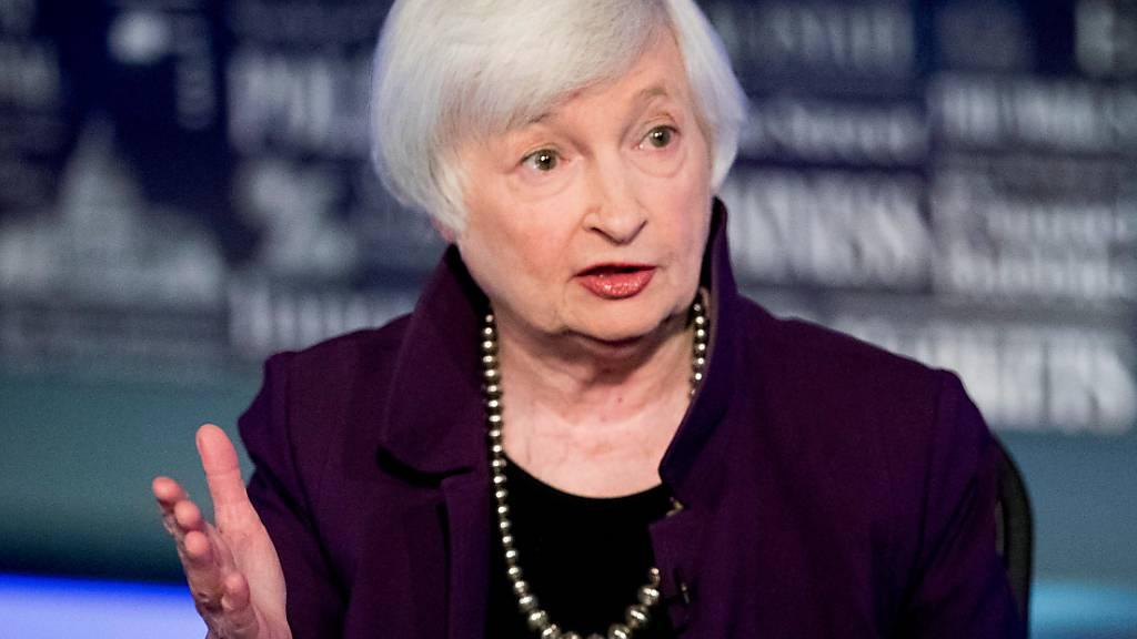 ARCHIV - Janet Yellen, ehemalige Fed-Vorsitzende spricht im Büro von Fox Washington. Foto: Andrew Harnik/AP/dpa