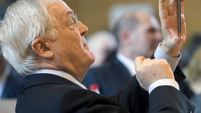 Kritiker werfen Hans Rudolf Gysin vor, den politischen Durchblick verloren zu haben .