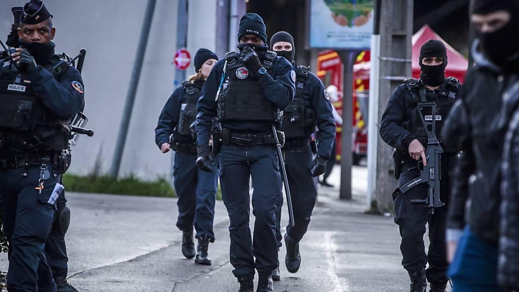 Ein Todesopfer bei Messerangriff in Pariser Vorort