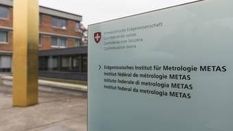 Von hier aus hilft die Schweiz mit, dass die Weltzeit schön im Takt bleibt.