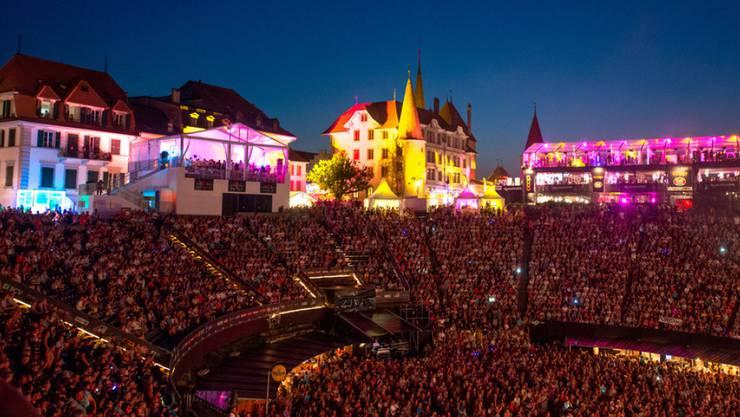 Viel Swissness am Rock Oz'Arenes 2016: Das Musikfestival in Avenches widmet seinen Auftakt am 1. August Schweizer Künstlern. (Archiv)