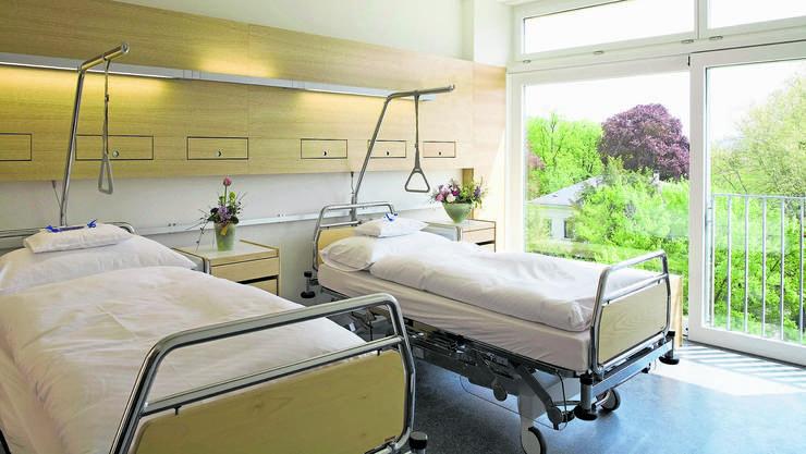 Im Basler Claraspital ist die Zahl der Behandlungen im März zwischen 35 und 50 Prozent zurückgegangen. Im April wird der Aderlass noch grösser sein.