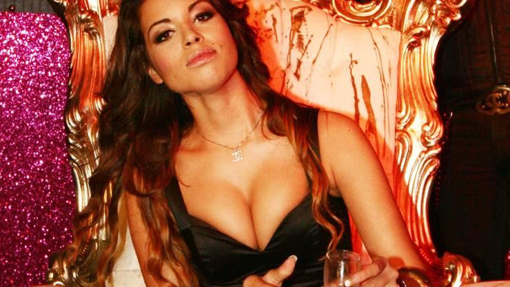 Ruby erwartet von Berlusconi 4,5 Millionen Euro Schweigegeld. Dukas