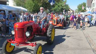 Die Oldtimer-Parade des Vereins «Freunde alter Landmaschinen Nordwestschweiz» war eines der Highlights.