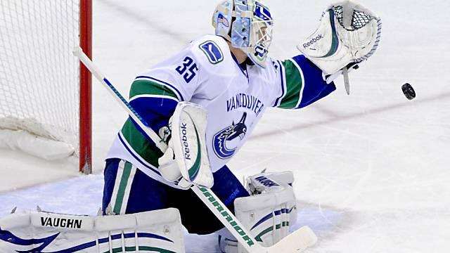 Cory Schneider hier im Dress der Vancouver Canucks.