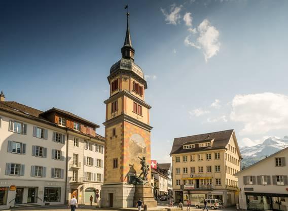 Die Schnitzeljagd beginnt in Altdorf, wo das Telldenkmal steht.