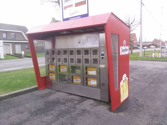 Bier-Automat: Und in Belgien steht dieser Automat voll mit Bier.