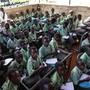 Der Bildungsbereich profitiert von den internationalen Geldgebern. Im Bild eine Schulklasse in Delling City, im Süden des Sudans.