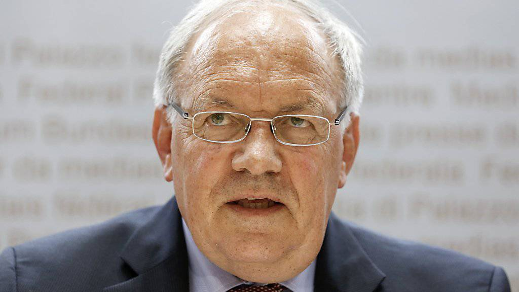 Bundesrat Johann Schneider-Ammann ist noch bis Sonntag in China: Mit dem wichtigen Handelspartner der Schweiz möchte er das seit 2014 bestehende Freihandelsabkommen ausweiten. (Archiv)