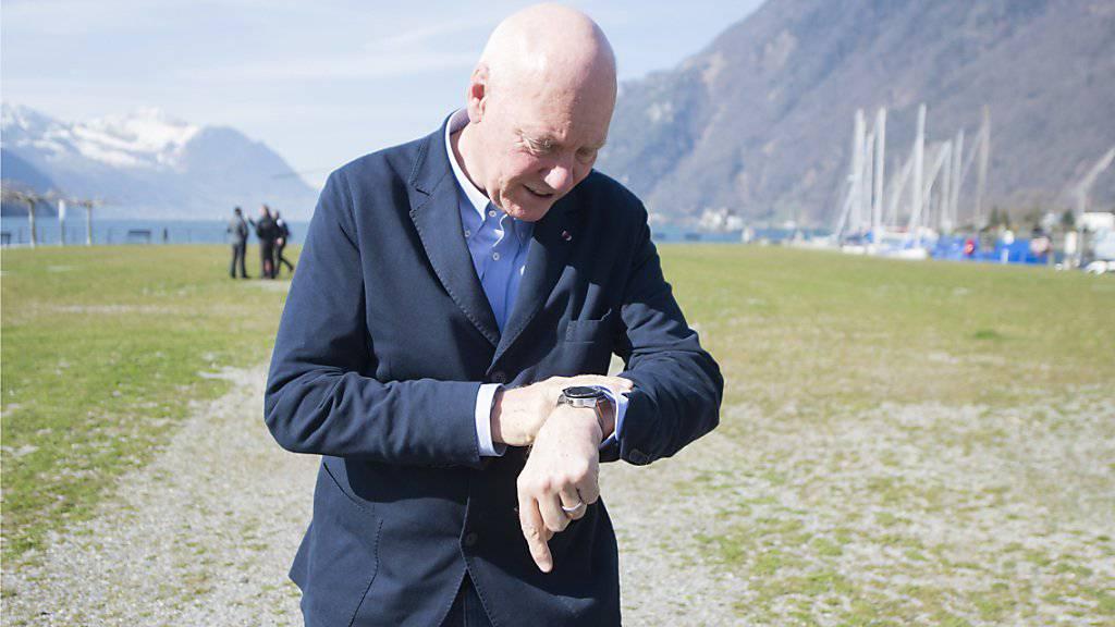 Die Zeit tickt für Jean-Claude Biver: Gleichzeitig mit Apple will der Uhrenboss eine Smartwatch mit Telefonfunktion auf den Markt bringen.
