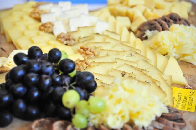 Die wunderbaren Käseplatten beim Apéro wurden von Marcel und Merlyn Durizzo (Chäsegge Baden) geliefert.
